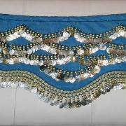 Μαντήλι οριεντάλ από βελούδινο ύφασμα με πάνω από 300 φλουριά
